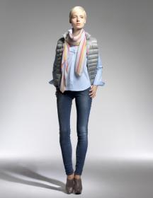 Áo lông vũ siêu nhẹ Uniqlo Gile cho nữ, mẫu 2013
