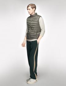 Áo phao lông vũ siêu nhẹ Uniqlo Gile cho nam, mẫu 2013